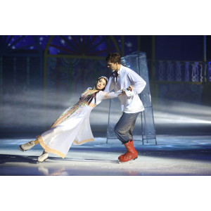 Ледовый спектакль «Морозко» согрел сердца зрителей в Санкт-Петербурге